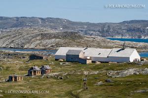 Édifices de la mission morave, Hébron, Labrador, 2009. Photo de France Rivet
