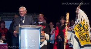 """Juge Thomas Berger s'adressant à l'audience - Conférence """"Keeping the Promise"""" 27 février, 2013, Gatineau, Québec."""