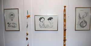"""Certains des dessins d'Alootook Ipellie dans l'exposition """"Trésors de l'Arctique"""" à Thayngen."""