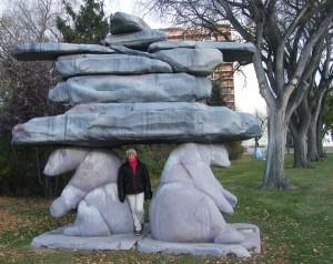 Une première rencontre avec les ours polaires dans un parc de Winnipeg. (c) Colette et Jean-Paul Monchablon