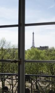 Tour Eiffel vue de la salle du Centre culturel canadien où a eu lieu ma conférence.